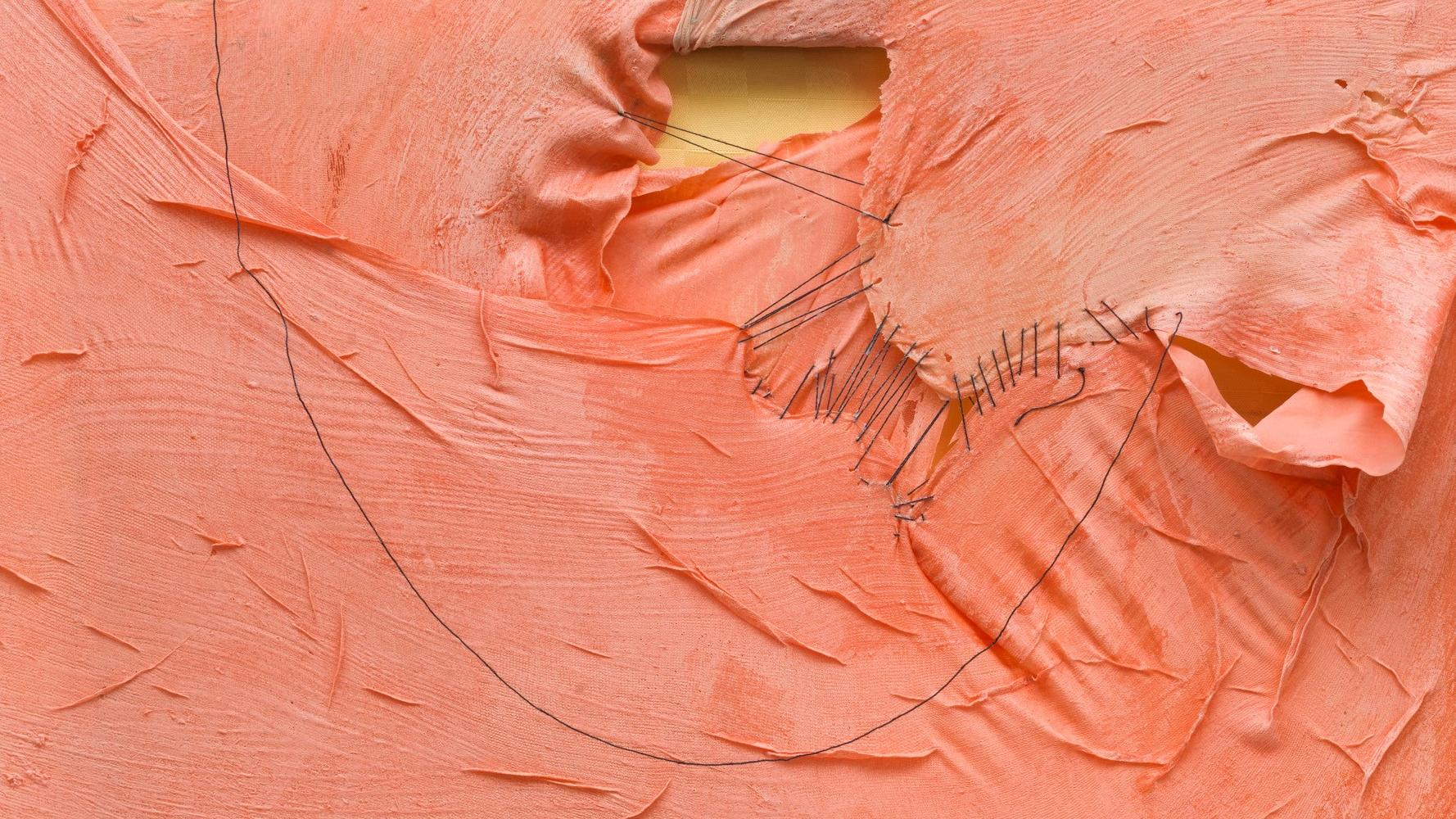 Leda Bourgogne, Bloomer, 2018, Latex auf Nylon, Lack, Tischtuch, Faden, 38 x 50 x 8,5 cm, Courtesy BQ, Berlin, Photo Roman März, Berlin