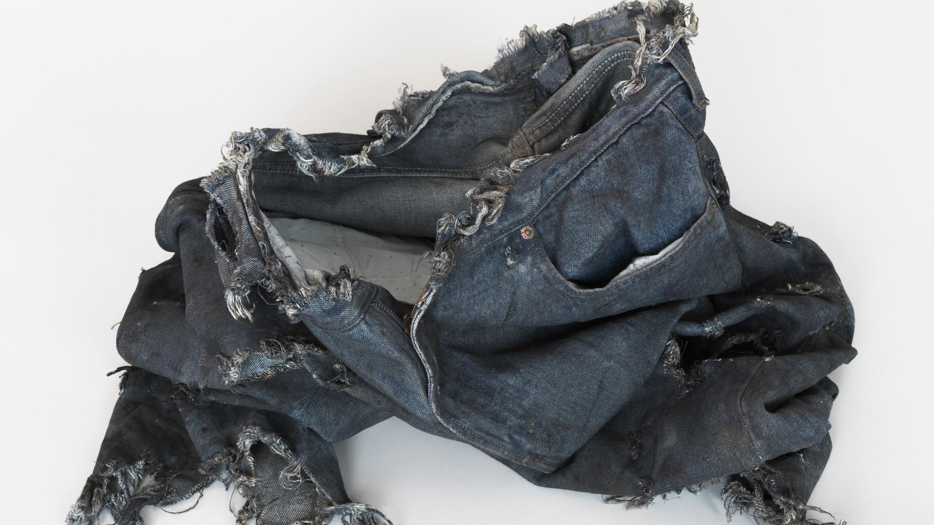 Monika Stricker:THE INCREDIBLE HULK 2008, Bruce Banner (Edward Norton) Ripped Test Jeans, 2013, mixed media, cooperate cinema, dimensions variabel, Courtesy: Clages Köln